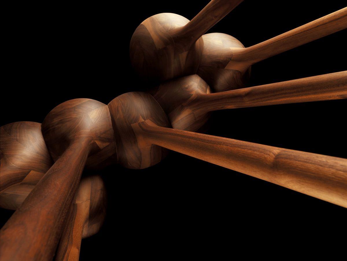 קונזולה מפוסלת מעץ 12 רגלים