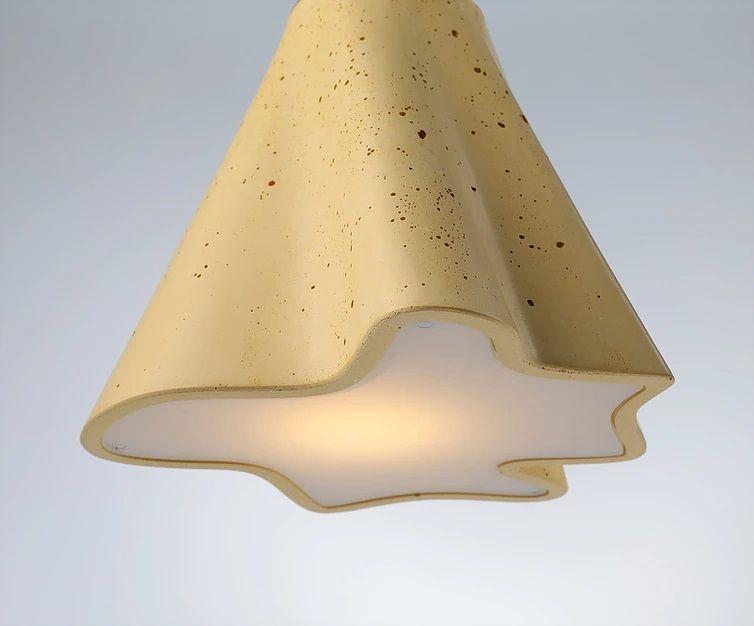 stem מנורה תלויה מבטון בצבע חרדל