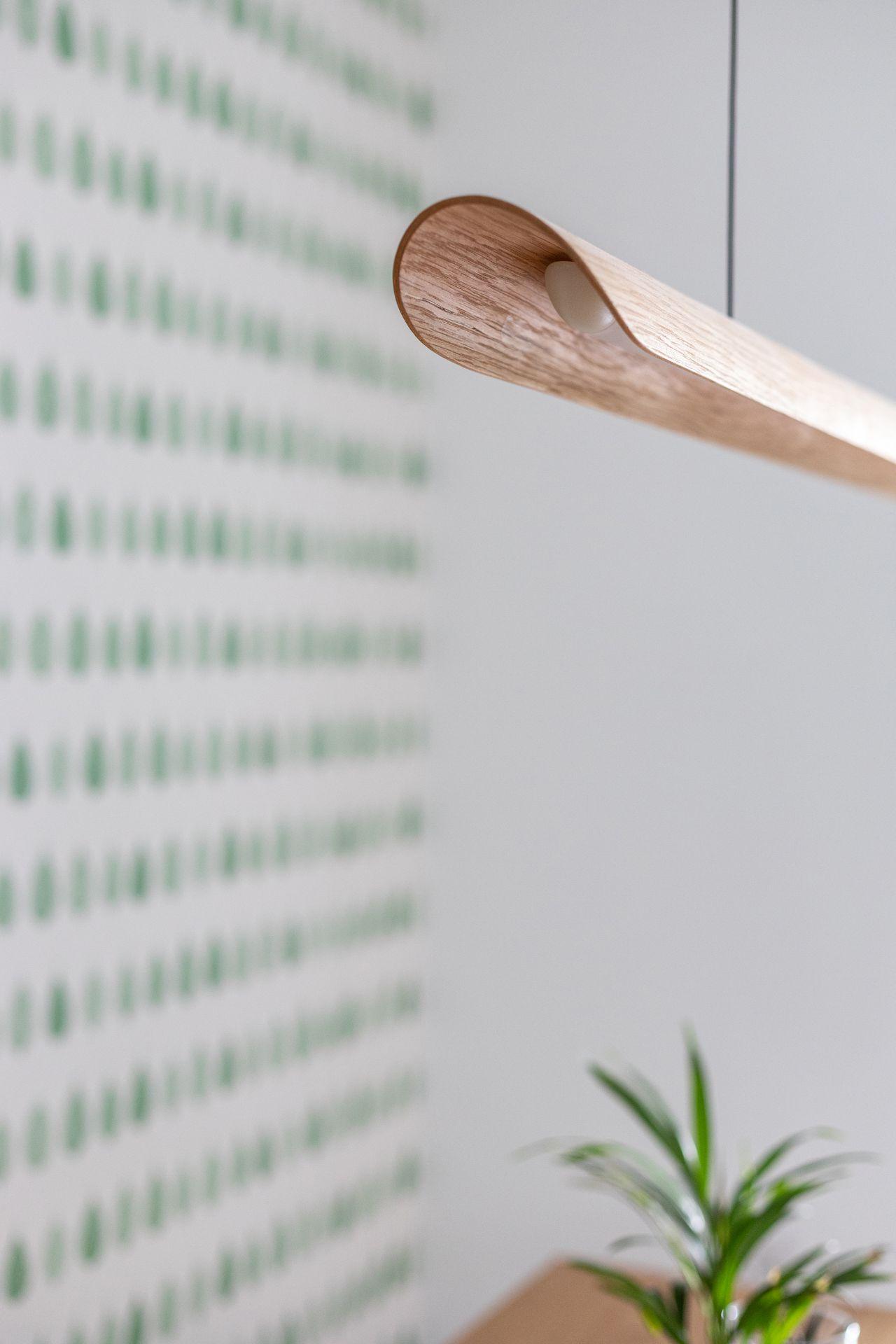 מנורת קאנו – מעץ אלון
