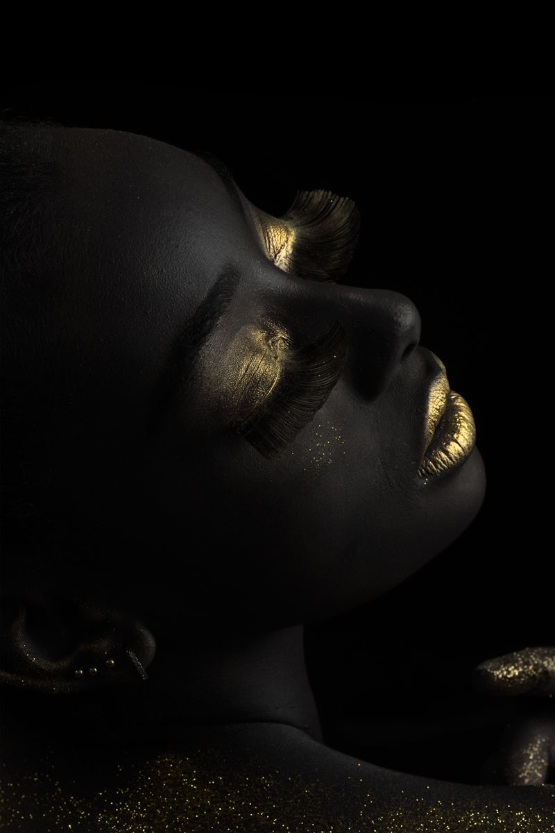 Gold on Black 4