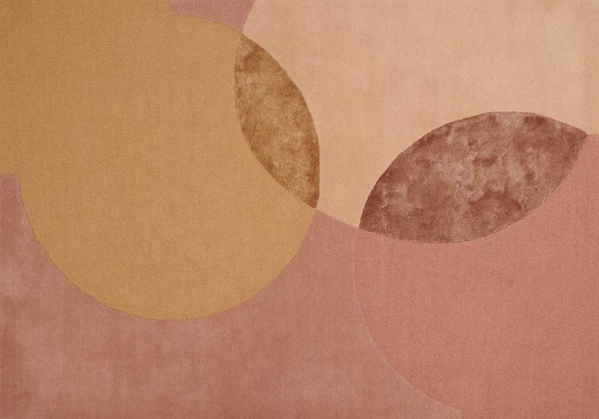 שטיח כתום ורוד גאומטרי עיגולים