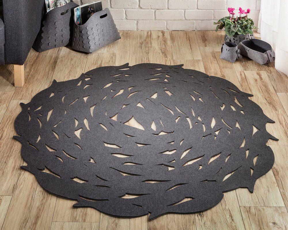 שטיח לבד עגול FISH בצבע חום