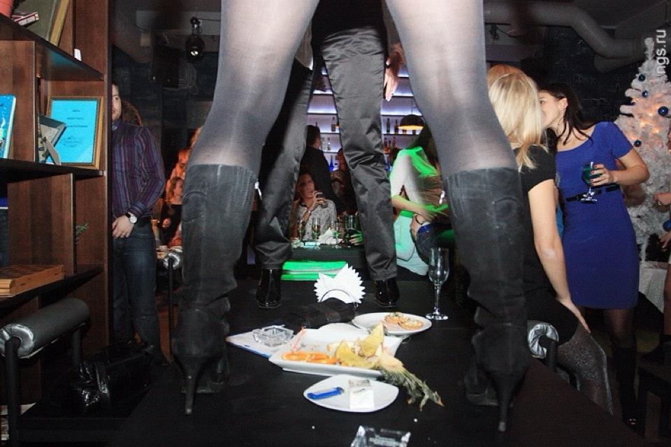 Подглядывание в ночном клубе, секс в лесу снятый на мобильный телефон смотреть онлайн