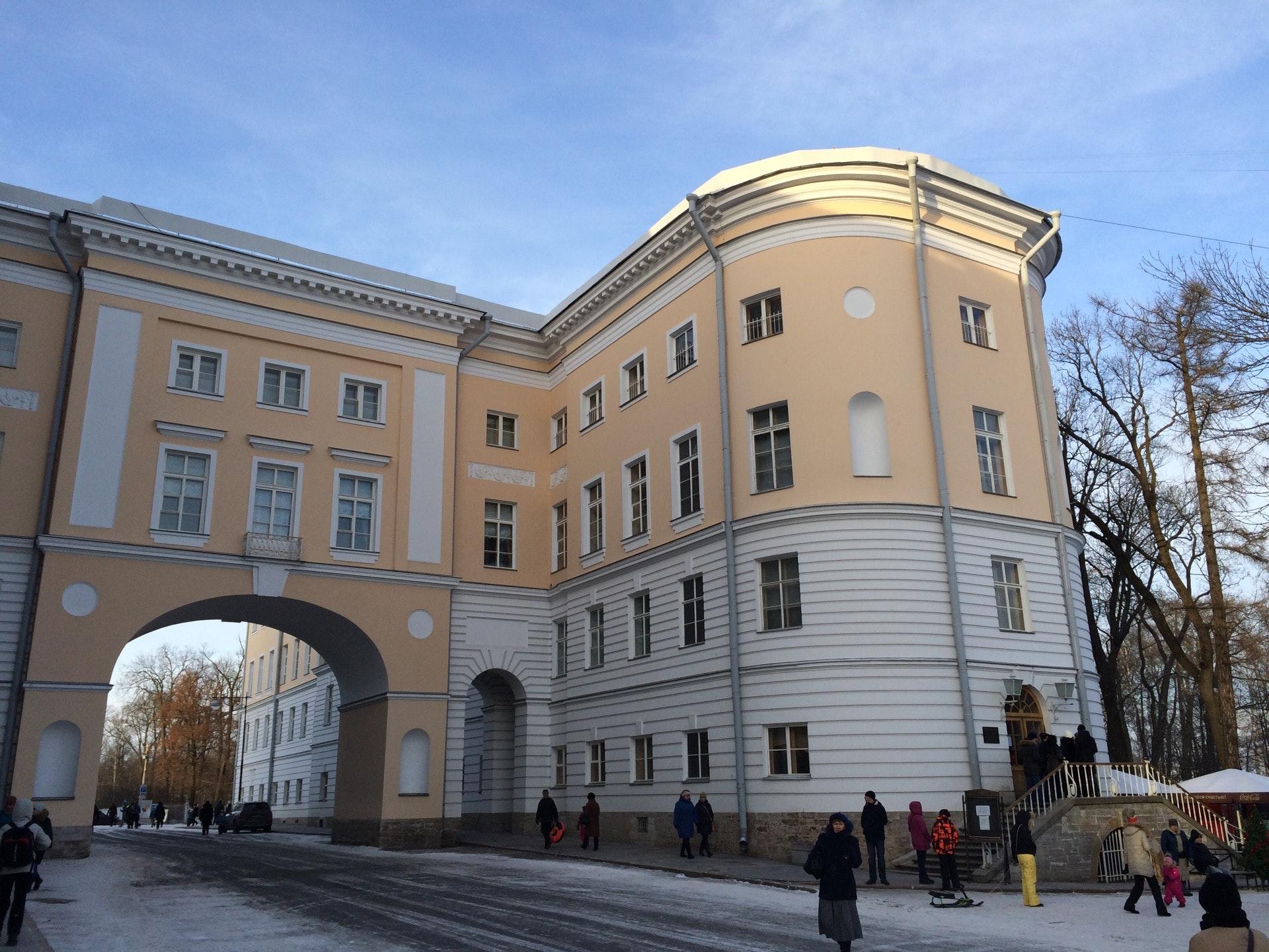 мужчины всероссийский музей а с пушкина фото поведаем его истории