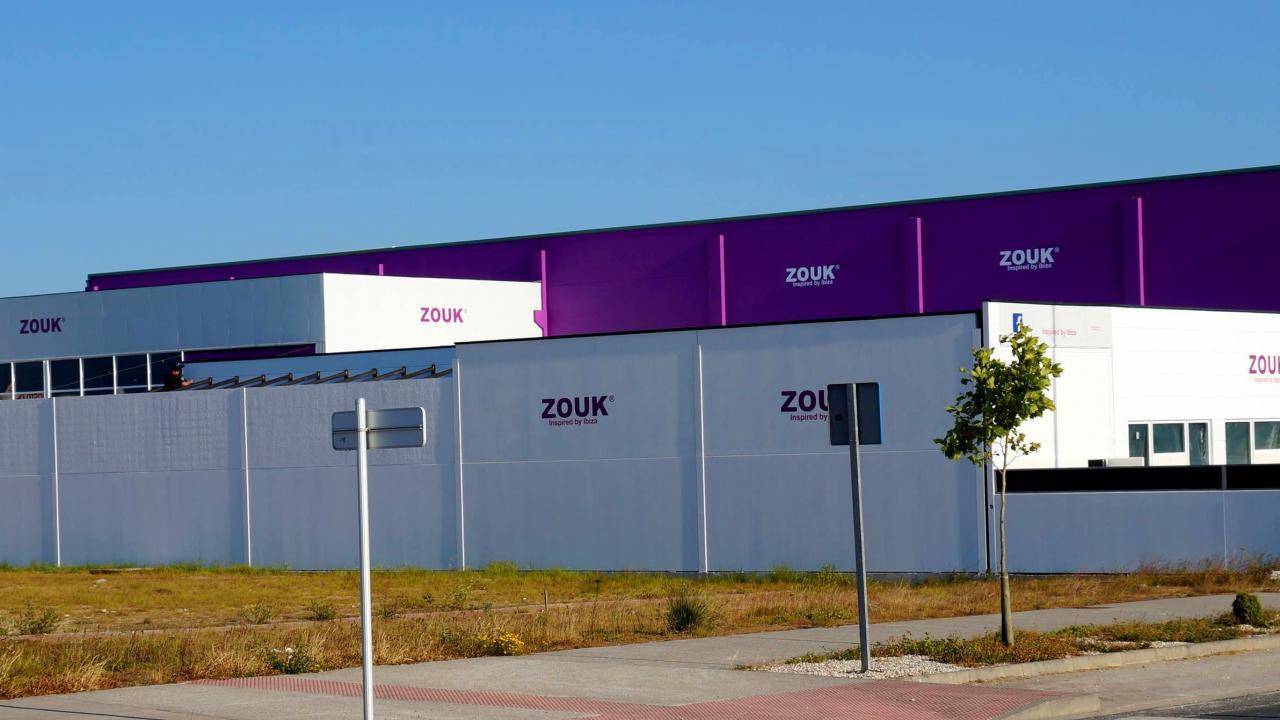 Logo de Zouk. Discoteca y Sala de Conciertos.