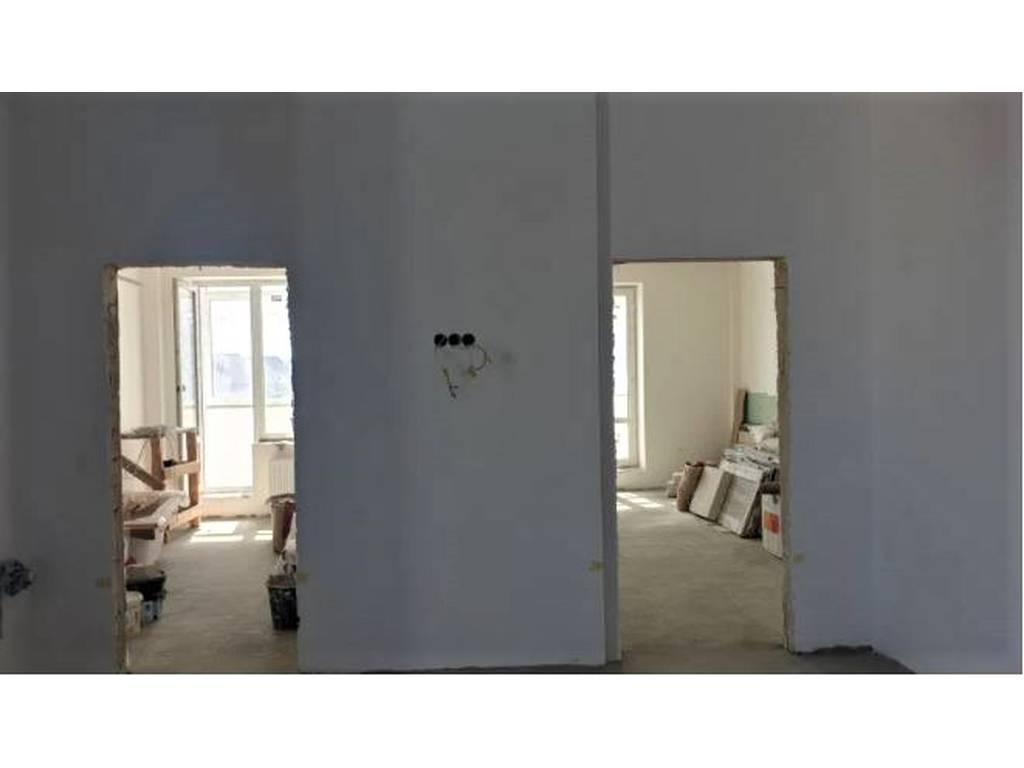 2-комнатная квартира, 106.00 м2, 92000 у.е.