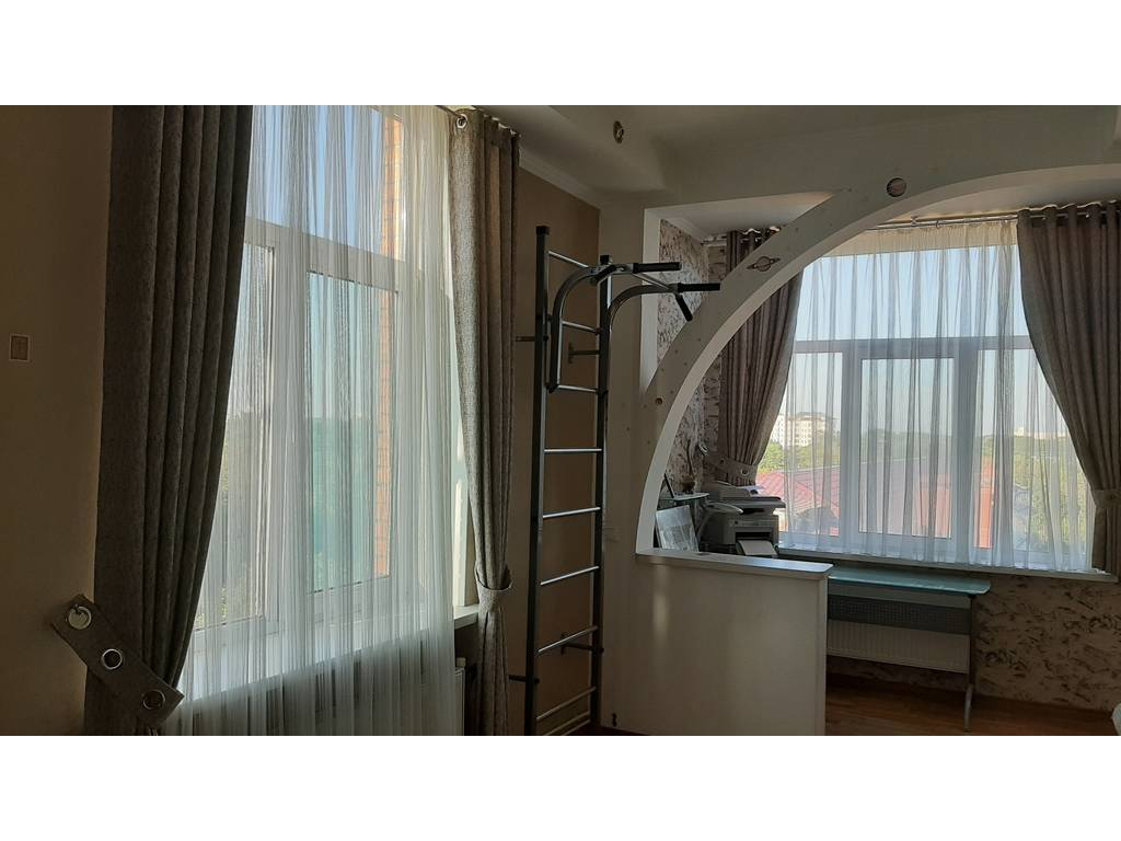 3-комнатная квартира, 106.00 м2, 130000 у.е.