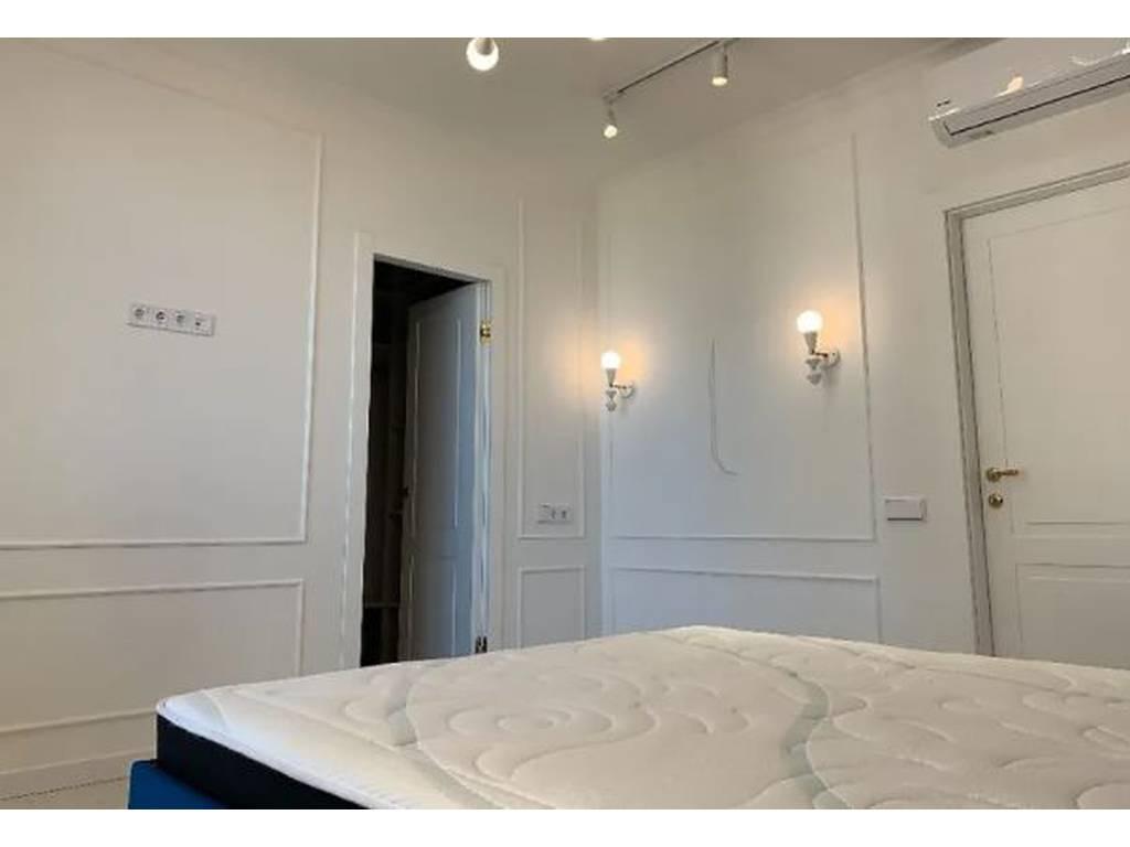 2-комнатная квартира, 65.00 м2, 150000 у.е.