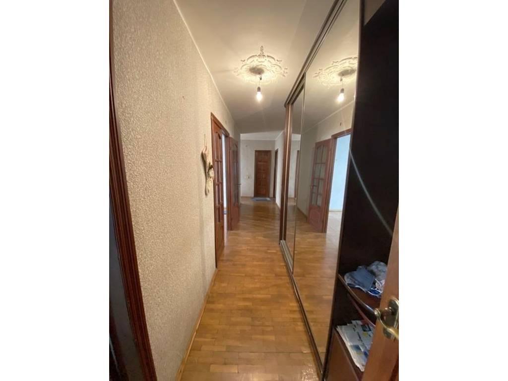 4-комнатная квартира, 82.00 м2, 68900 у.е.