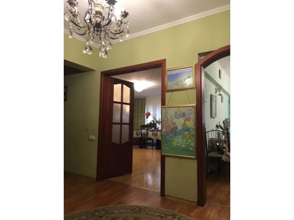 4-комнатная квартира, 130.00 м2, 180000 у.е.
