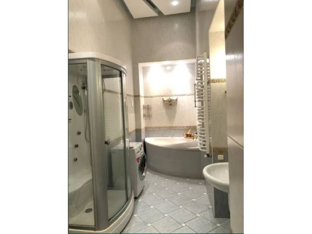 4-комнатная квартира, 160.00 м2, 330000 у.е.