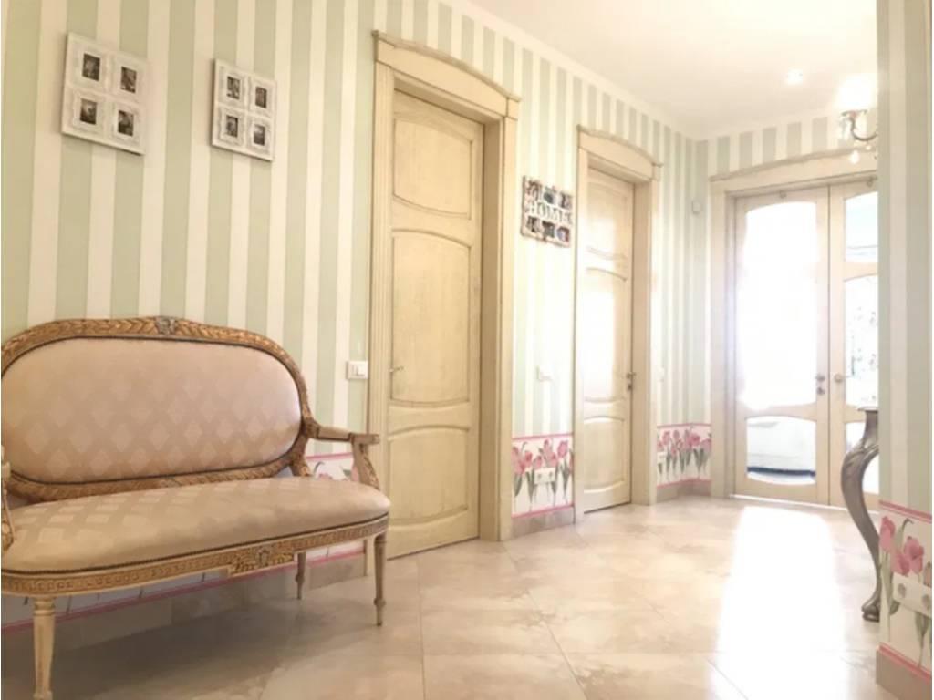 3-комнатная квартира, 134.00 м2, 250000 у.е.