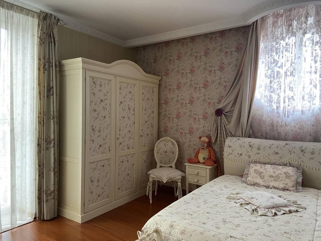 4-комнатная квартира, 215.00 м2, 580000 у.е.