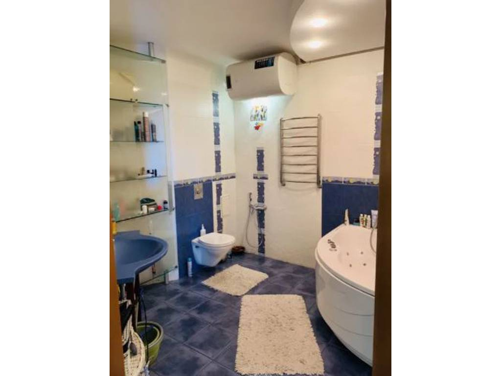 3-комнатная квартира, 147.00 м2, 175000 у.е.