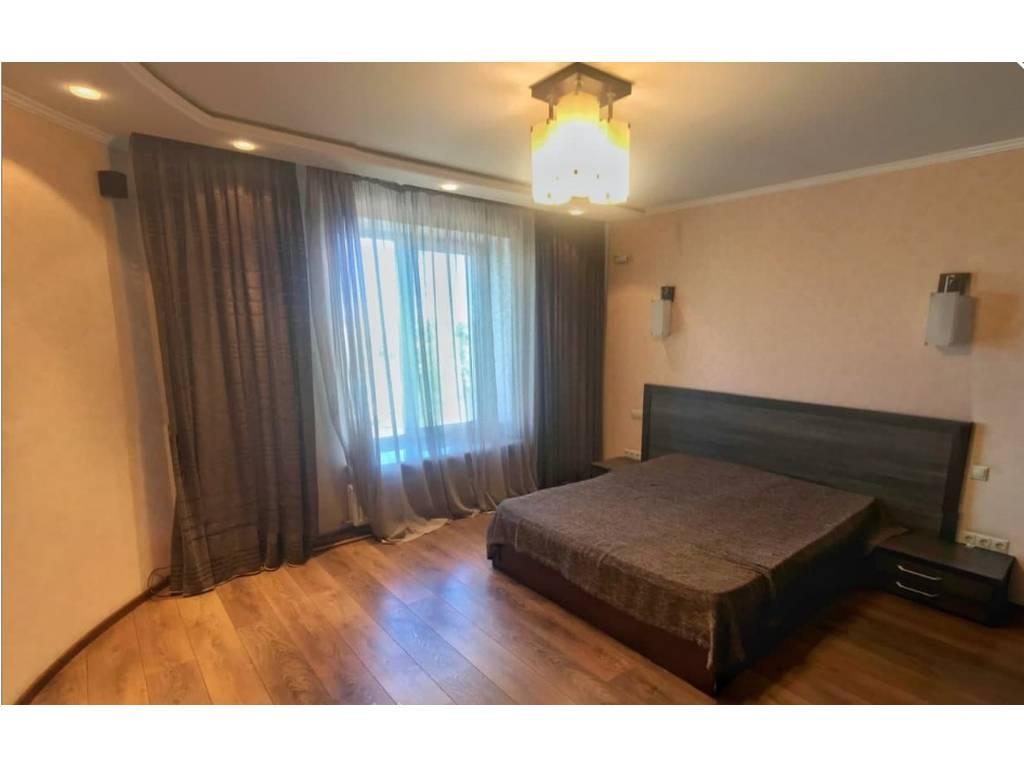 3-комнатная квартира, 100.00 м2, 95000 у.е.