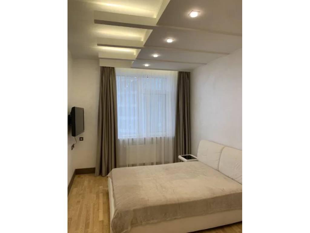 3-комнатная квартира, 120.50 м2, 220000 у.е.