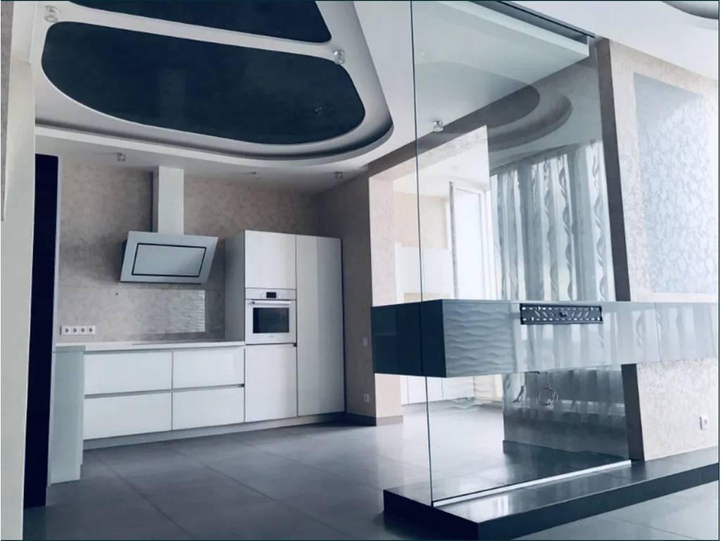 4-комнатная квартира, 130.00 м2, 175000 у.е.