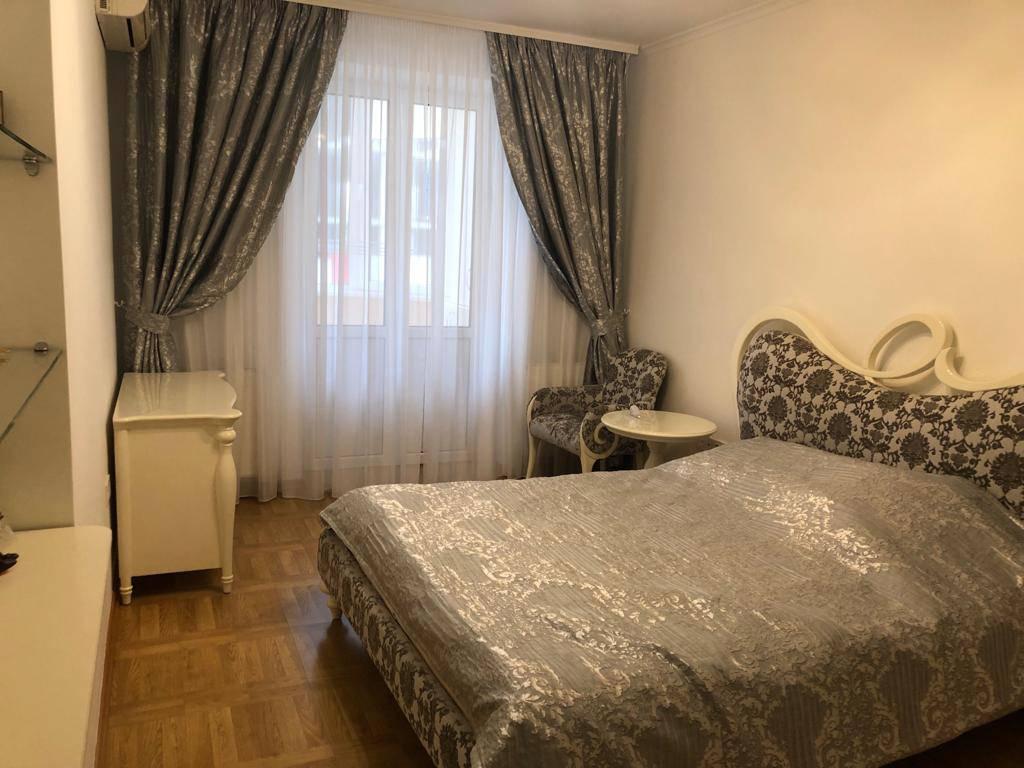 5-комнатная квартира, 191.20 м2, 187000 у.е.