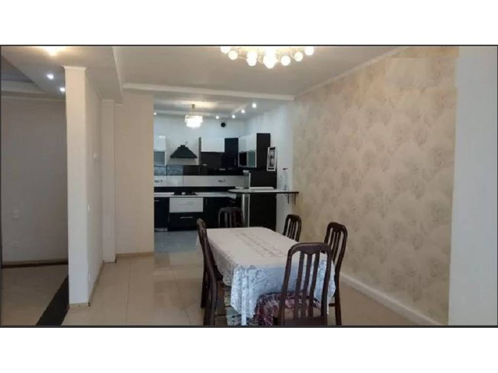 4-комнатная квартира, 120.00 м2, 75000 у.е.