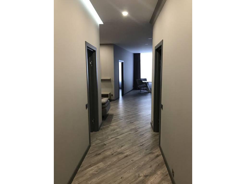2-комнатная квартира, 85.00 м2, 210000 у.е.