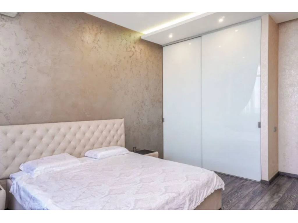 3-комнатная квартира, 104.00 м2, 185000 у.е.