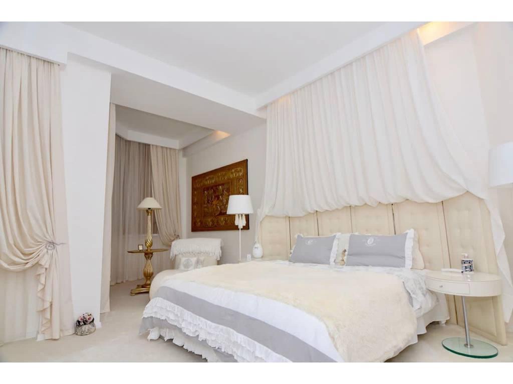 2-комнатная квартира, 140.00 м2, 320000 у.е.