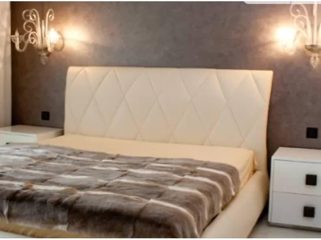 3-комнатная квартира, 105.00 м2, 220000 у.е.