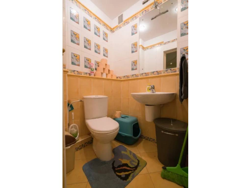 4-комнатная квартира, 142.00 м2, 130000 у.е.