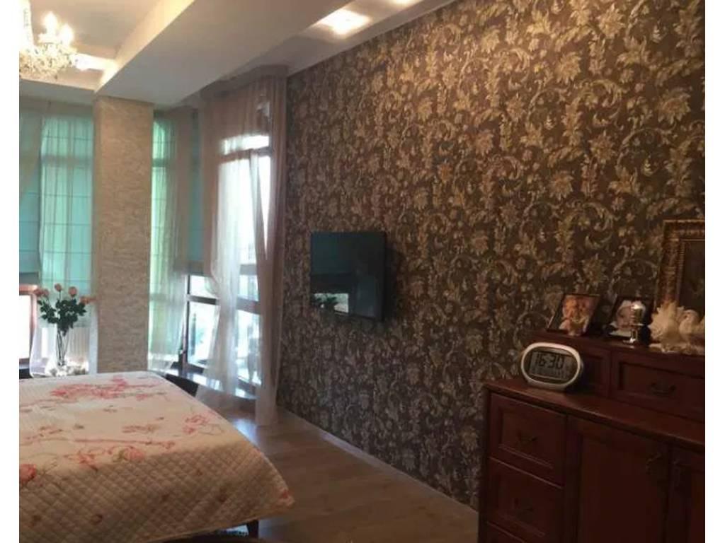 3-комнатная квартира, 135.00 м2, 180000 у.е.