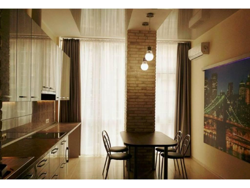 2-комнатная квартира, 104.00 м2, 175000 у.е.