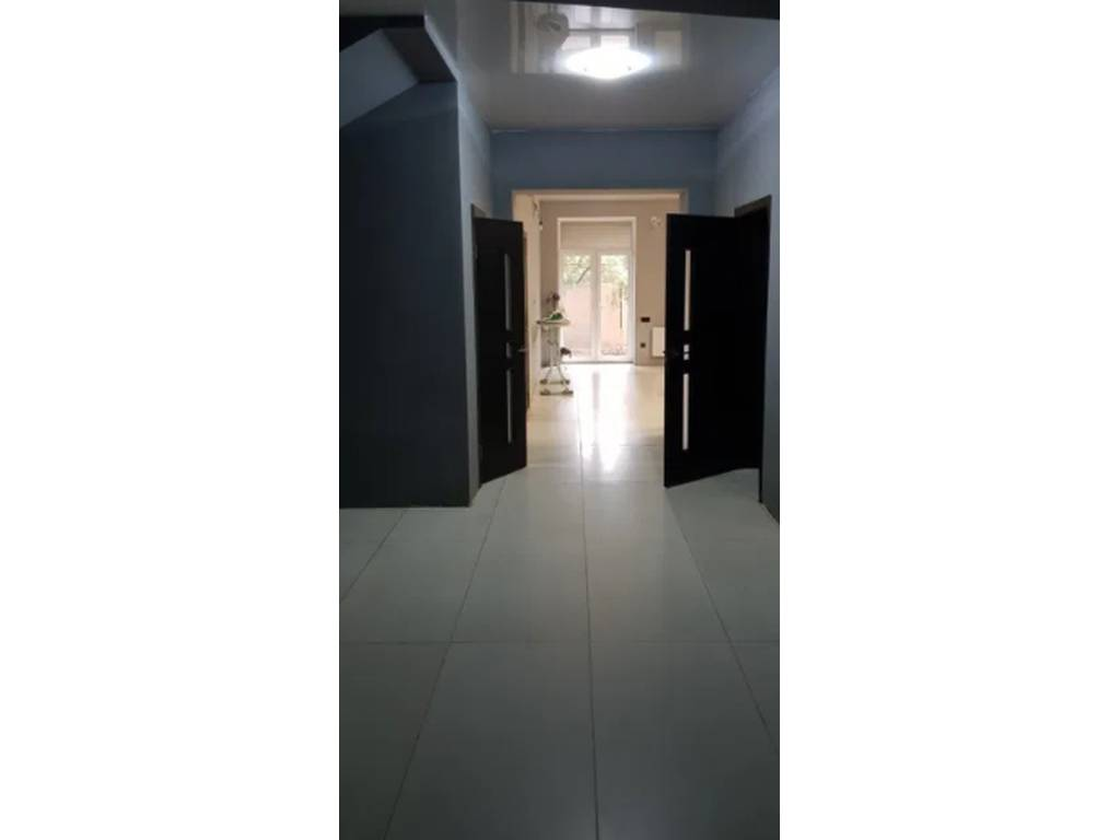2-комнатная квартира, 108.00 м2, 84000 у.е.