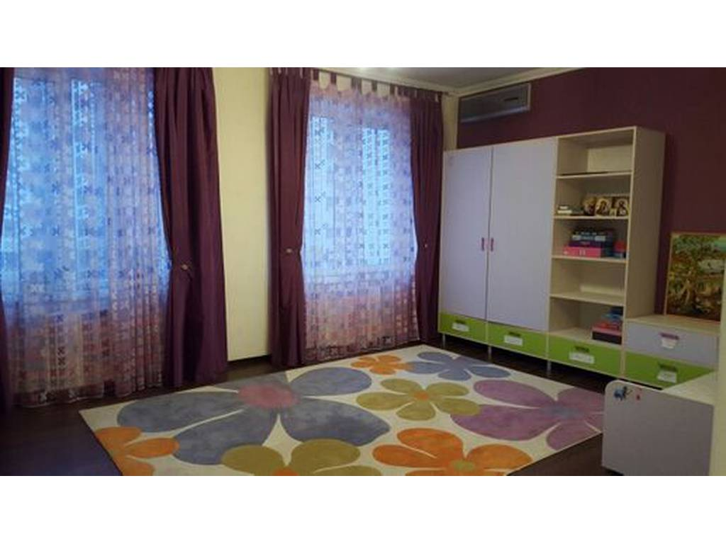 2-комнатная квартира, 135.00 м2, 160000 у.е.