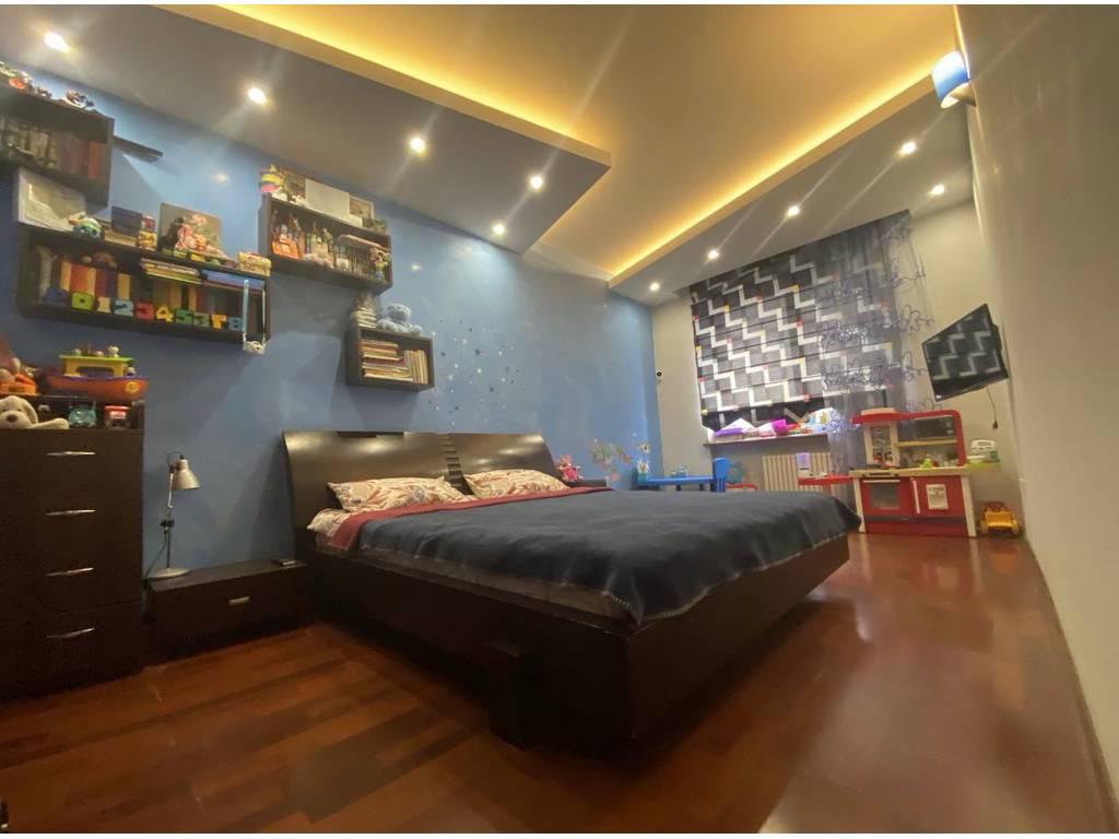 3-комнатная квартира, 135.00 м2, 240000 у.е.