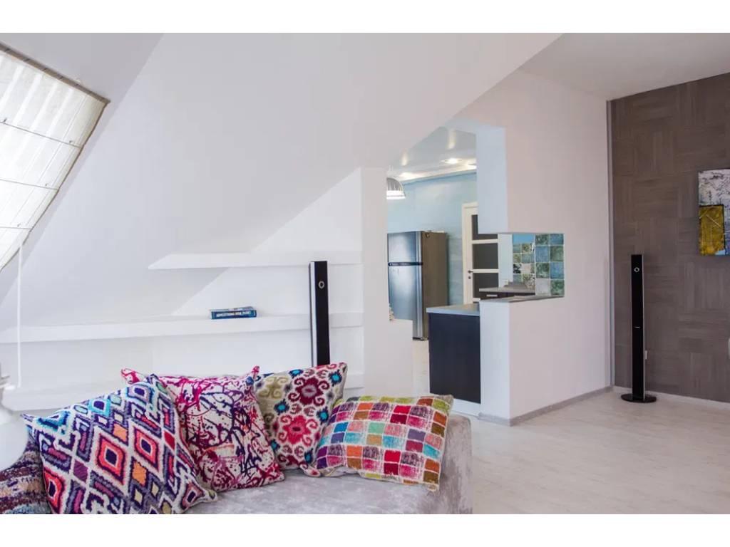 5-комнатная квартира, 290.00 м2, 215000 у.е.