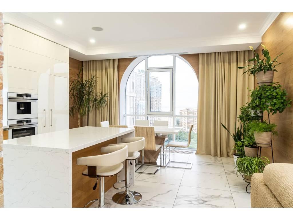 2-комнатная квартира, 96.00 м2, 245000 у.е.