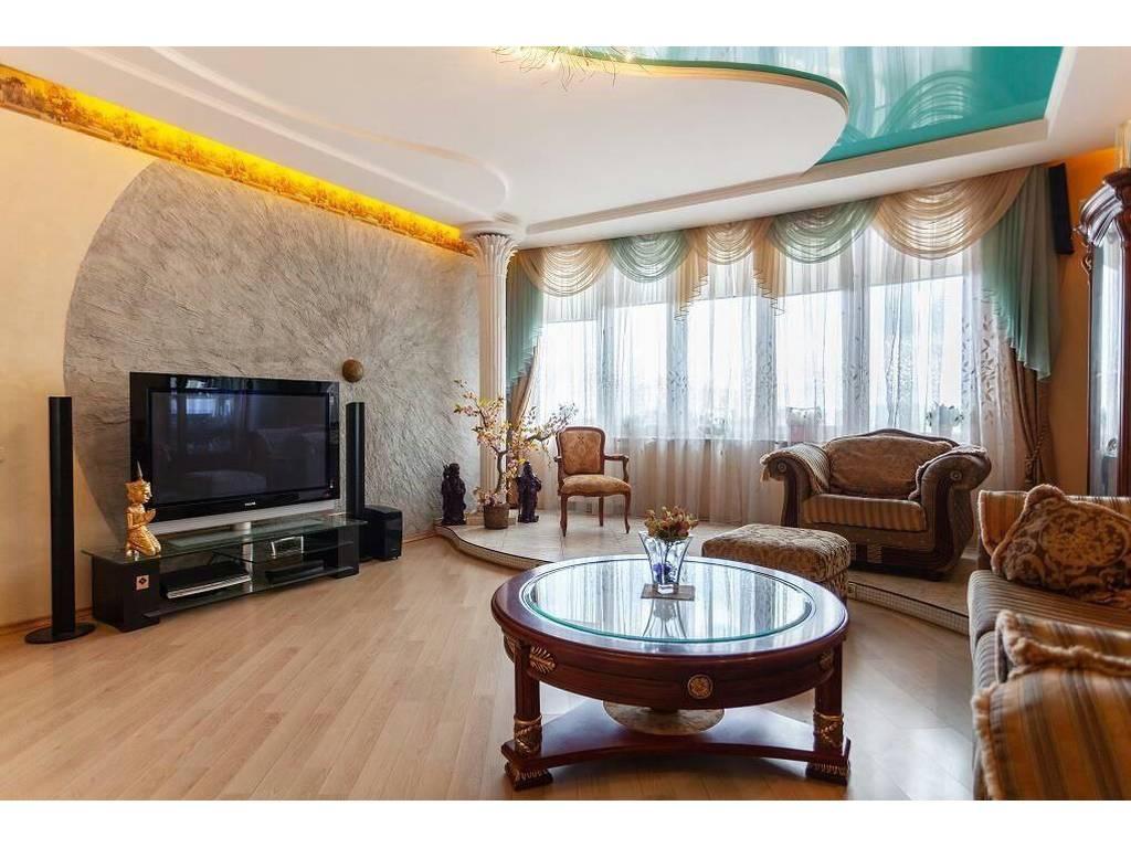 4-комнатная квартира, 145.00 м2, 210000 у.е.