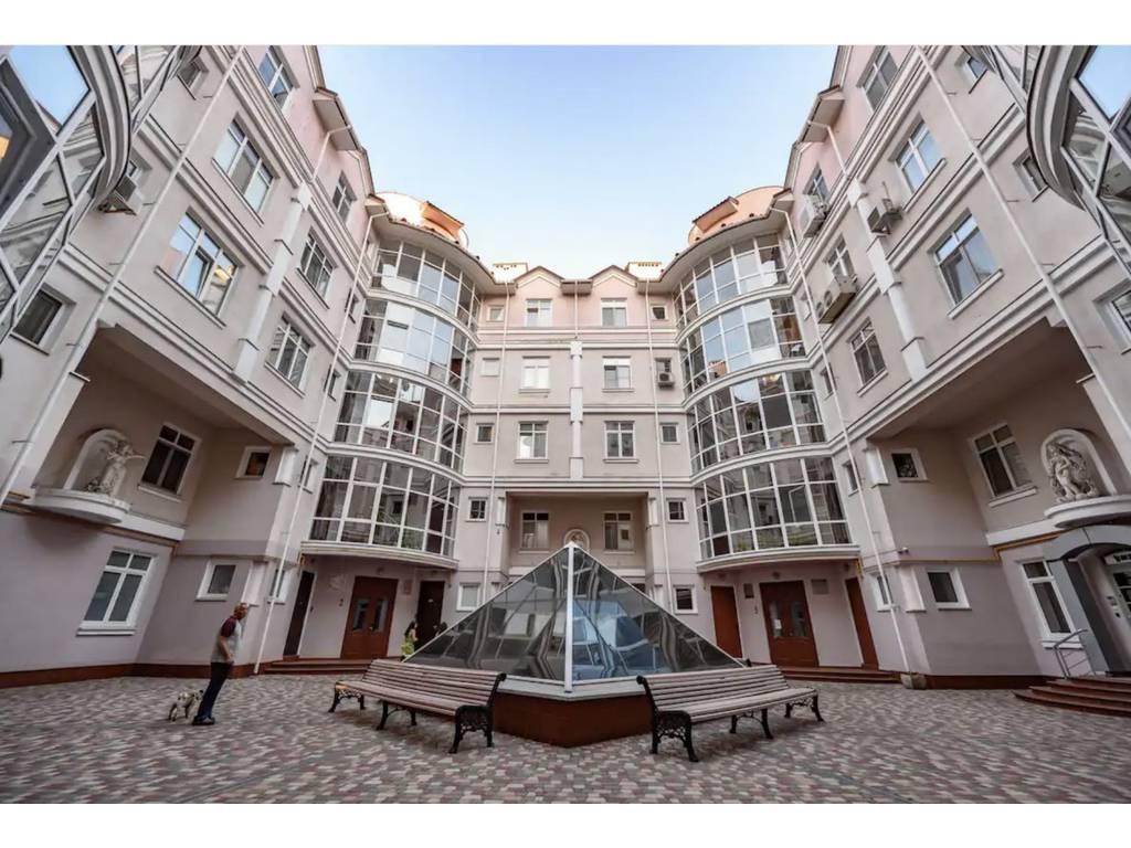 5-комнатная квартира, 280.00 м2, 1300000 у.е.