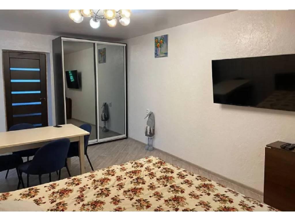 3-комнатная квартира, 56.00 м2, 44000 у.е.