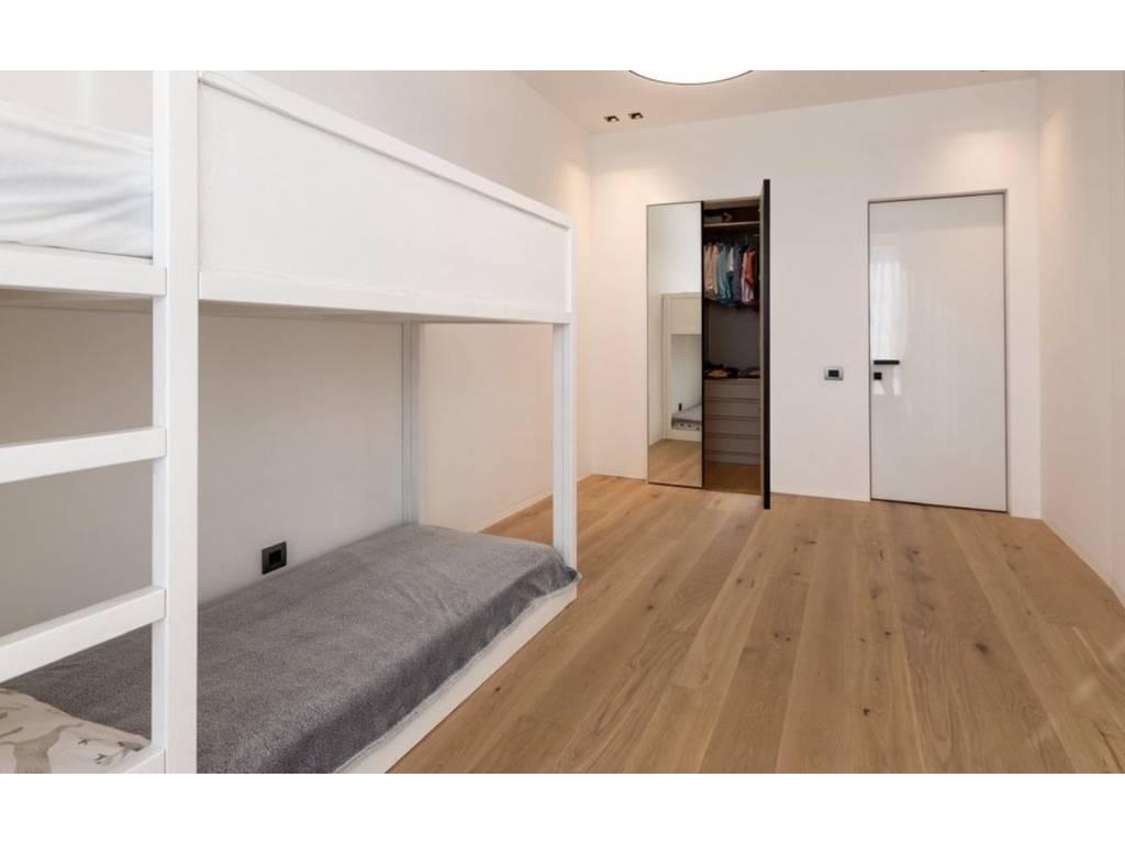 3-комнатная квартира, 117.00 м2, 270000 у.е.