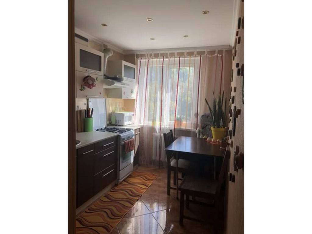 4-комнатная квартира, 62.00 м2, 43000 у.е.