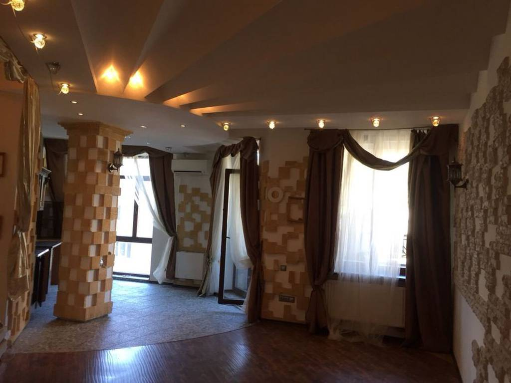 3-комнатная квартира, 136.00 м2, 135000 у.е.