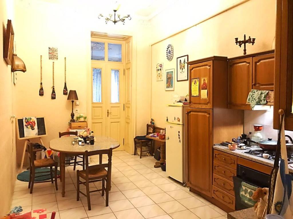 4-комнатная квартира, 210.00 м2, 135000 у.е.