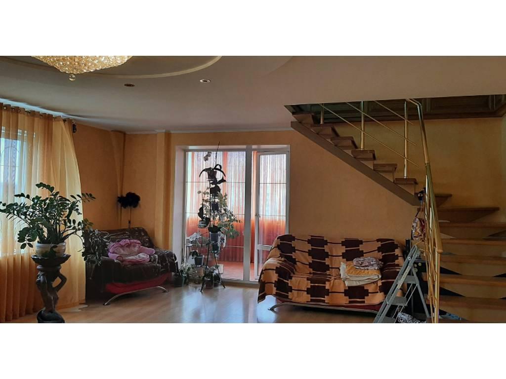 4-комнатная квартира, 240.00 м2, 210000 у.е.