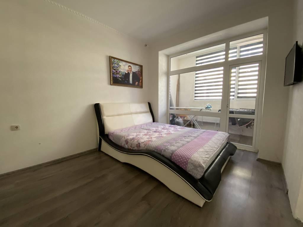2-комнатная квартира, 77.00 м2, 60000 у.е.