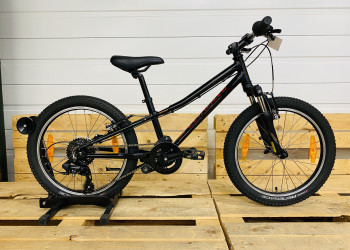 SPECIALIZED Hotrock int.