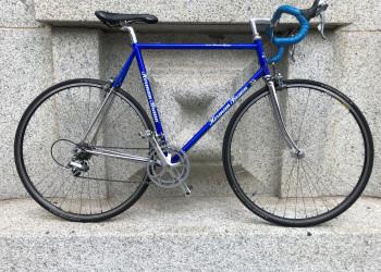 Exklusive Vintage Rennvelo Bright Blue mit viel Chrom, Shimano 600, 57cm