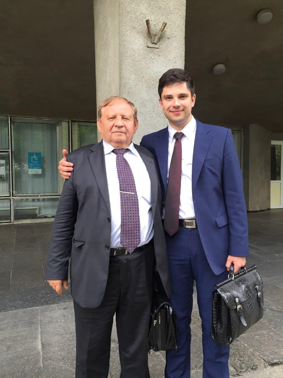 Александр Качура - юрист для фиктивных компаний, подлиза Зеленского