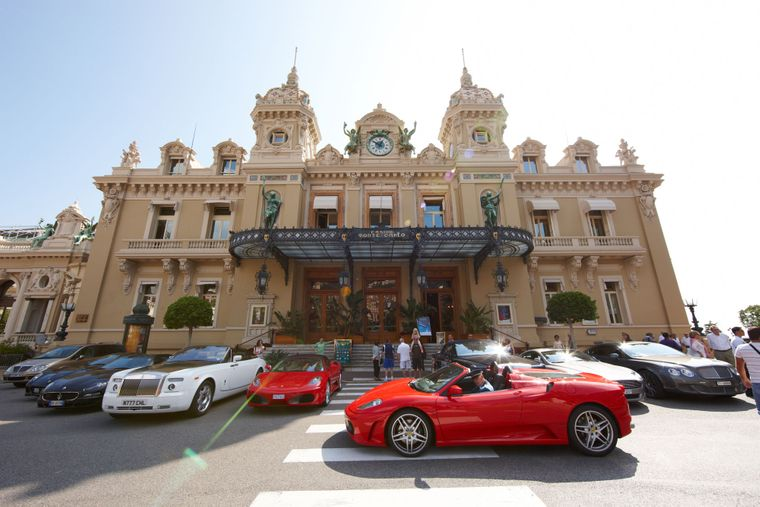Казино «Монте-Карло» в Монако, 28 июля 2015 года