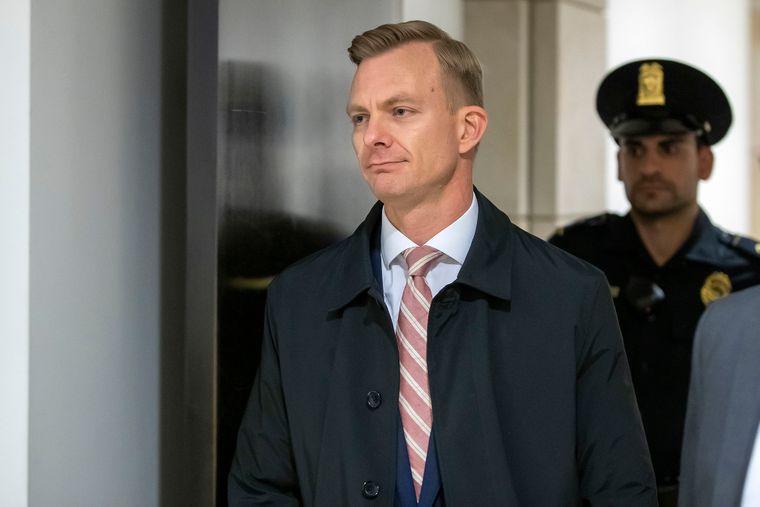 Советник посла США в Украине по политическим вопросам Дэвид Холмс собирается дать показания в комитете Палаты представителей Конгресса, Вашингтон, США, 15 ноября 2019 года