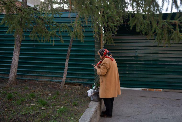 Будівлі самого колишнього моргу вже не існую, на її місці розпочали будівництво і обнесли парканом, Харків, 12 листопада 2019 року